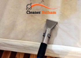 Steam cleaning of mattress